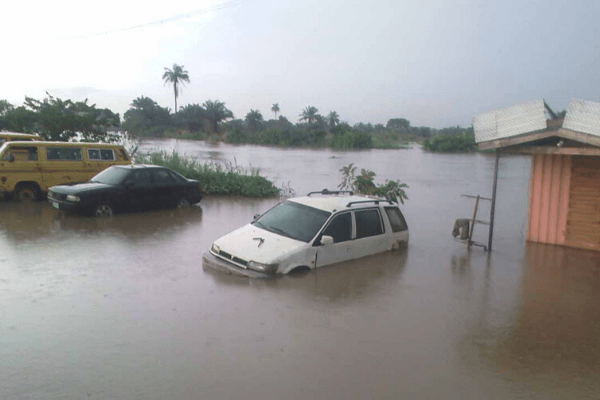 Flood: Isheri residents seek Ogun, Lagos intervention - Businessday NG