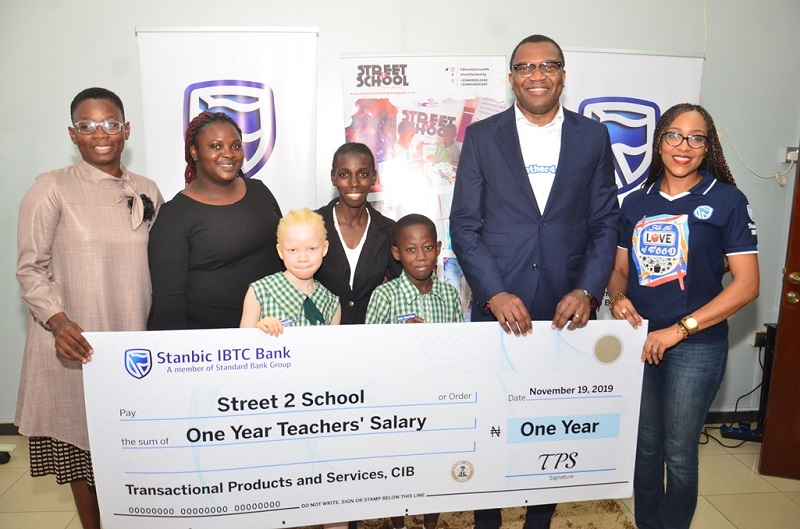 Stanbic IBTC excites school with one year teachers salary - Businessday NG
