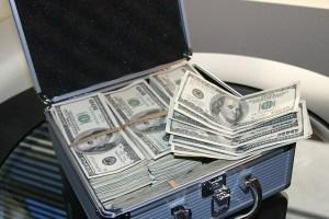 たくさんのドル紙幣