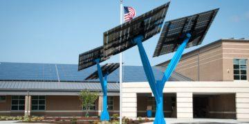 Solar power trees 660x330 - Solar Trees Fueling South Florida Park