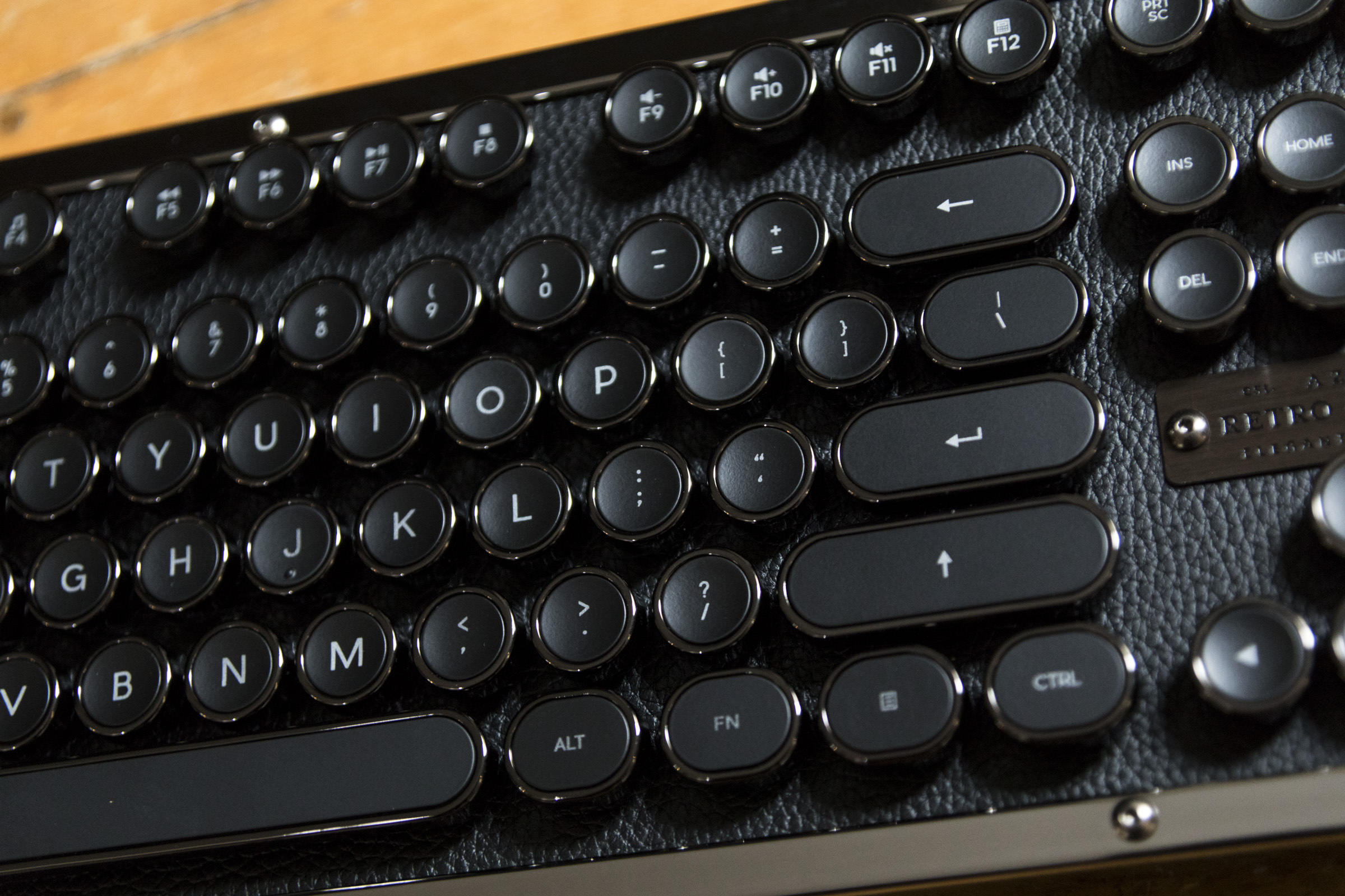 1518209330 183 the retro classic azio bluetooth keyboard inspired by the typewriter is a luxury treat - The retro-classic Azio Bluetooth keyboard inspired by the typewriter is a luxury treat