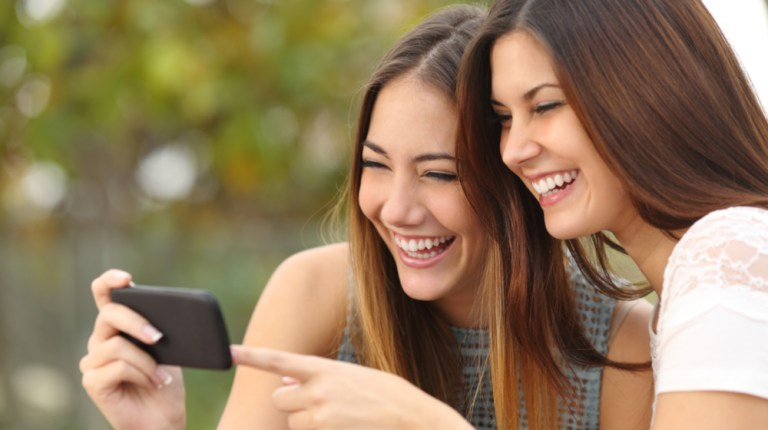 Friends Laughing - 78% of video content will be filtered via mobile devices, according to a marketing study