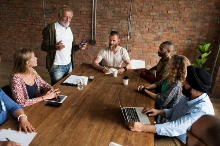 5 reasons why small businesses should rent a conference room ...