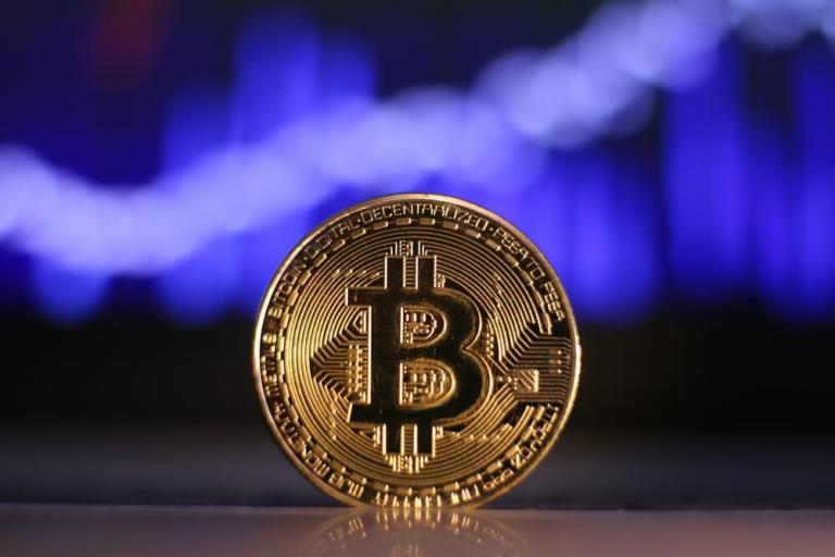 Bitcoin chart bg - Bitcoin: The Return of Volume