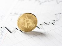 is there a correlation between bitcoin and stock exchange - Is there a correlation between Bitcoin and Stock Exchange?