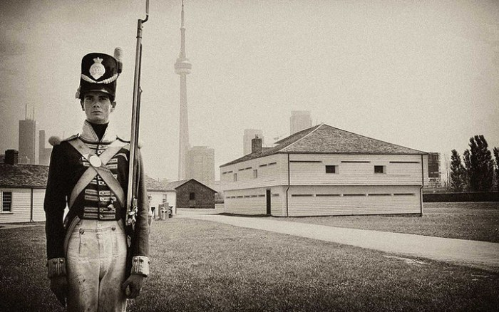 800px-soldier_at_fort_york