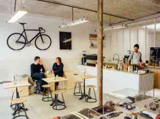RUNNING CAFE FOR SALE WITH TRADE LICENSE IN KARAMA – PRIME LOCATION DUBAI