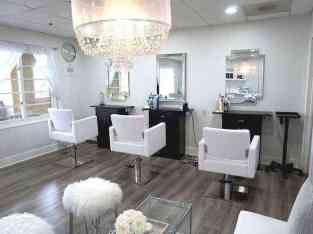 Well Running ladies beauty salon for sale in Dubai