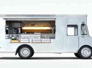 在阿联酋出售食品的卡车