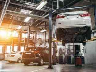 Véndese taller de coches en Dubai