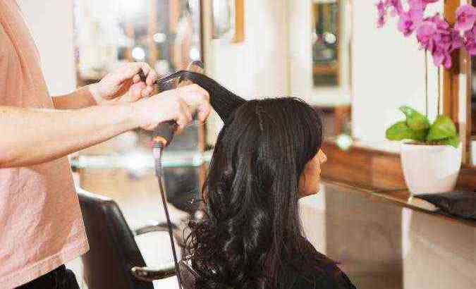 Fully licensed hair, nails and massage ladies salon for sale in Dubai