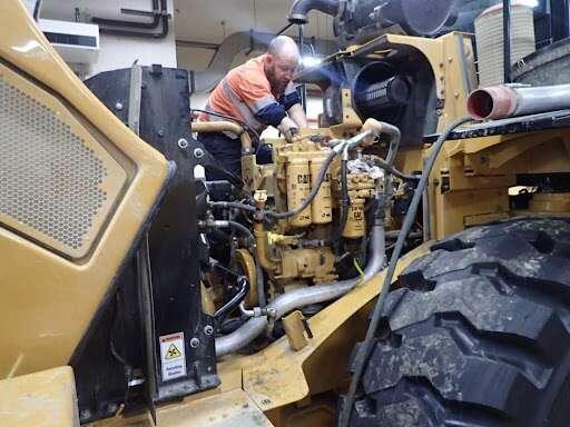 Heavy Duty Equipment & Machinery Repairing and Maintenance company for sale in Dubai