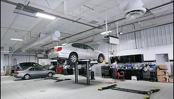 Car styling workshop garage for sale in Dubai