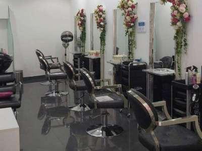 Varotra maika saloon vehivavy any Dubai JLT