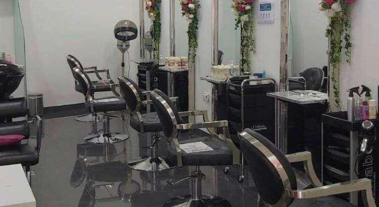 Urgent sale Ladies saloon in Dubai JLT