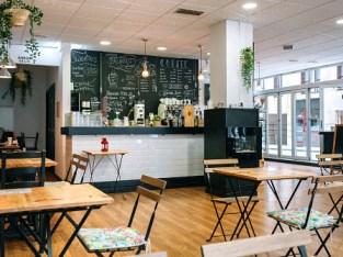 Café dhalaalaya oo lagu iibinayo Dubai