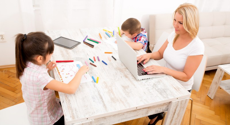 Mumpreneur working