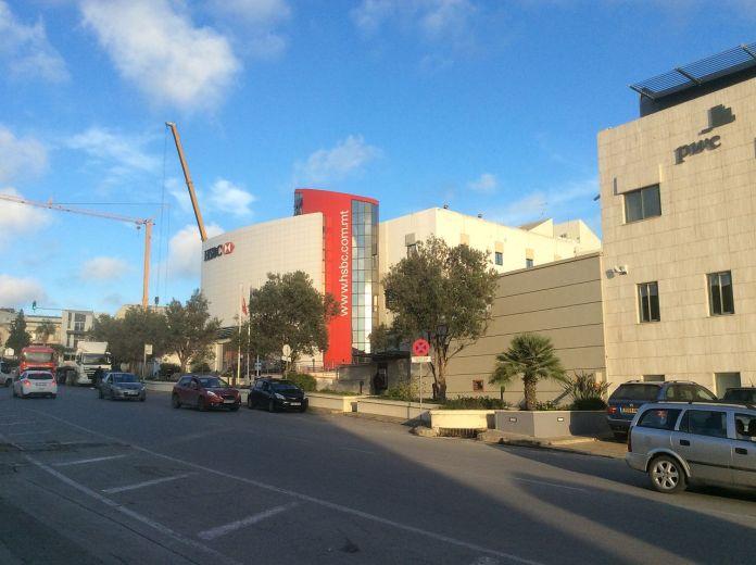 HSBC headquarters in Malta. (source: Wikimedia Commons/Continentaleurope)