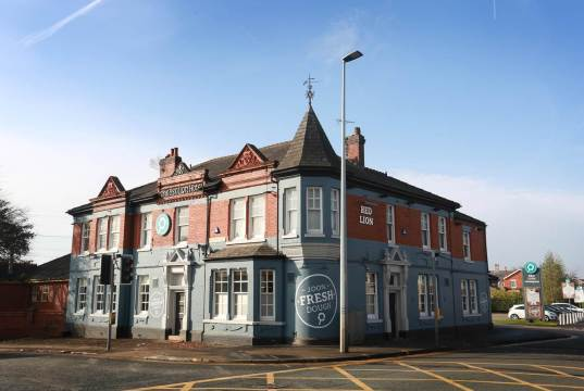 Swinton Offers a Slice of Comfort as New Stonehouse Pizza & Carvery Opens