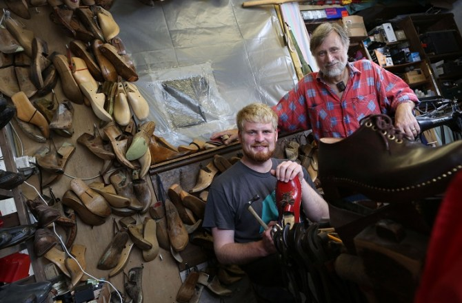 Apprenticeship Helps Secure Future of Traditional Welsh Art-Form