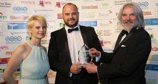 Fast Growing Welsh Honey Firm Wins Regional Business Award
