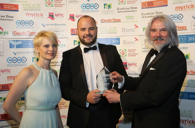Fast Growing Welsh Honey Firm Wins Regional Business Award