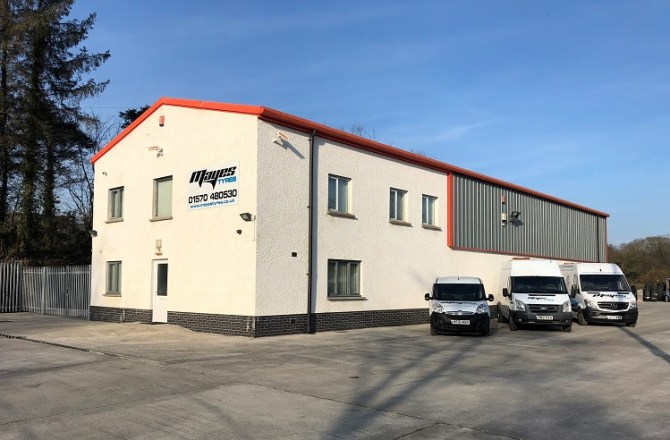 Carmarthenshire Tyre Company Secures Six-figure Commercial Mortgage with HSBC