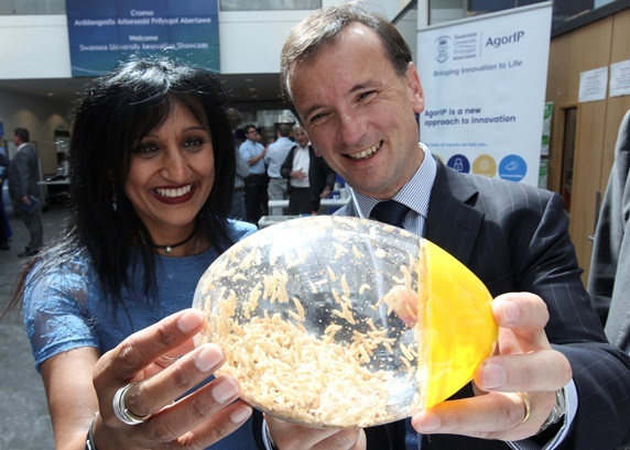 Swansea University Innovation Impresses Secretary of State for Wales Alun Cairns