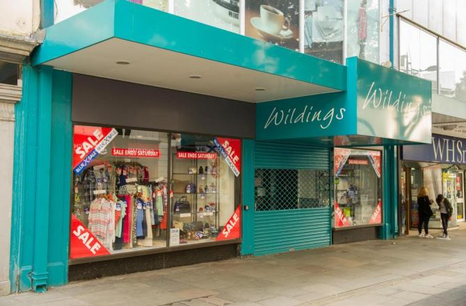 Oldest Department Store in Newport to Close