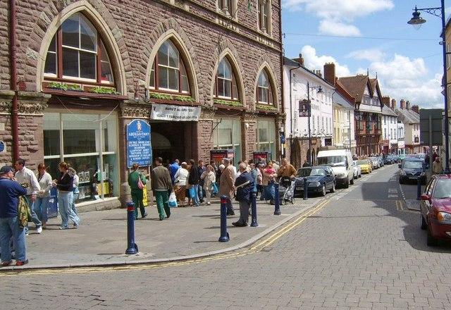 Abergavenny's Town Centre Enjoys Second Phase of Improvements