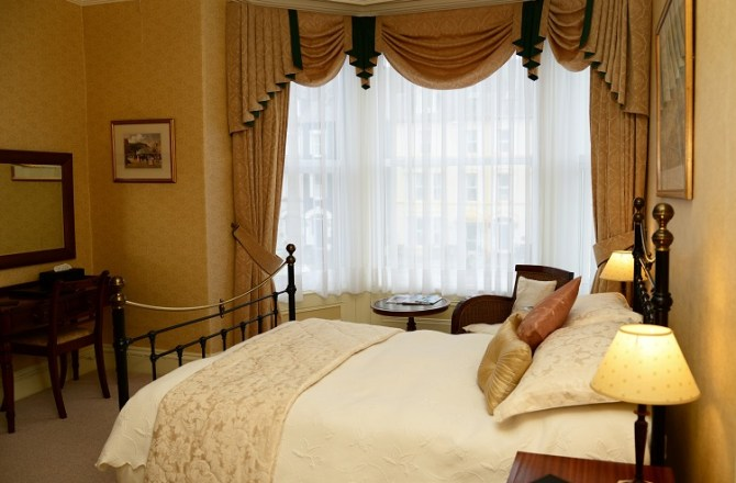 Llandudno Guest House Secures Triple Crown of Awards