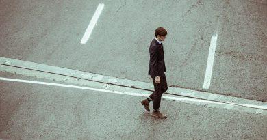 Γιατί φεύγουν όλοι οι επαγγελματίες και οι νέοι στο εξωτερικό