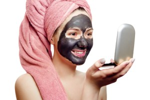 Activated charcoal mask benefits