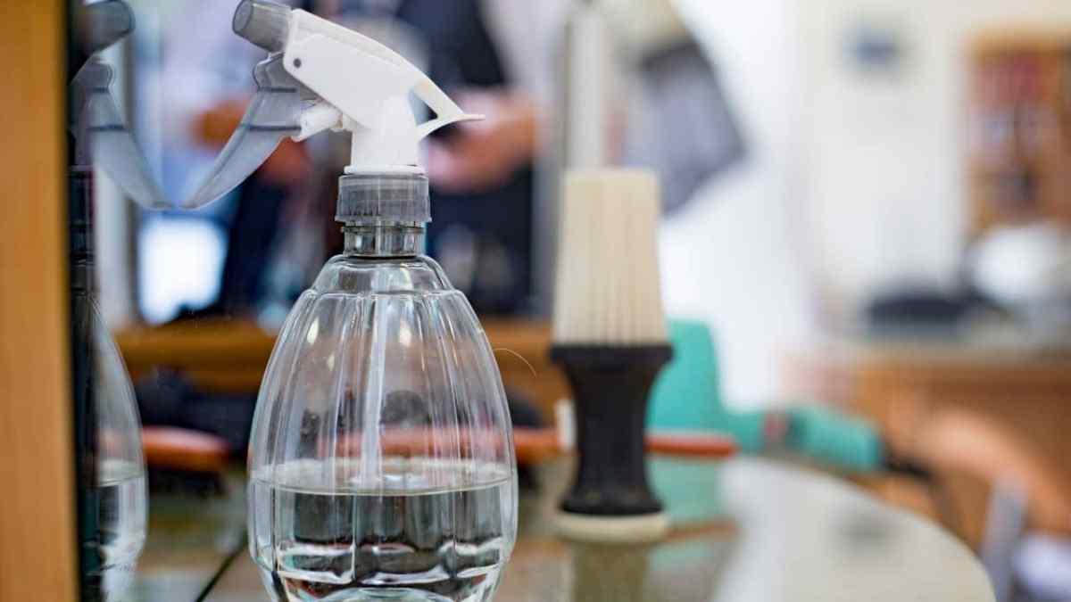 hair-salon-water-bottle