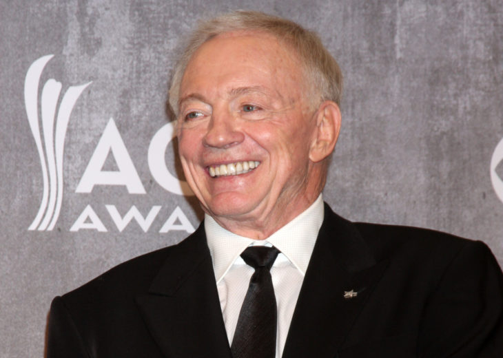 LAS VEGAS - APR 6: Jerry Jones at the 2014 Academy of Country Music Awards - Arrivals at MGM Grand Garden Arena on April 6, 2014 in Las Vegas, NV