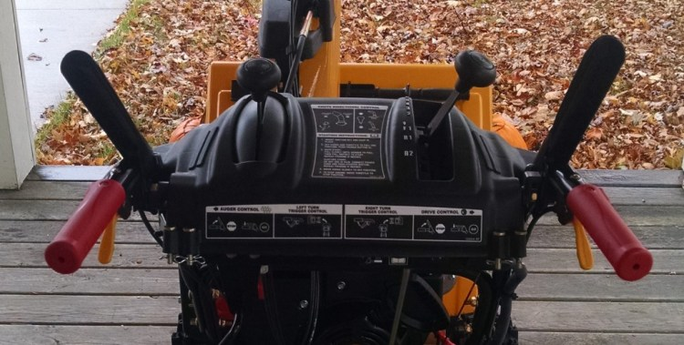 "Cub Cadet 3X 24"" HD Snow Thrower Review"