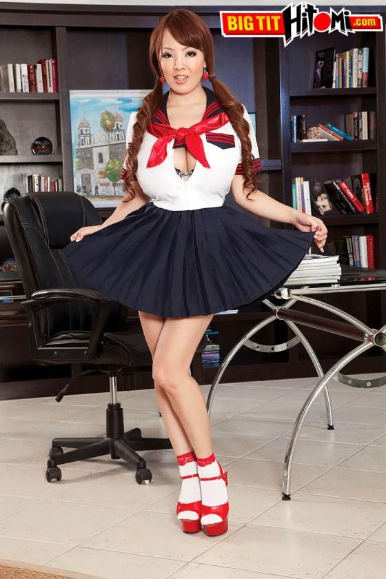 hitomi tanaka japanese busty schoolgirl 32JJ gravure natural tits asian schoolgirl