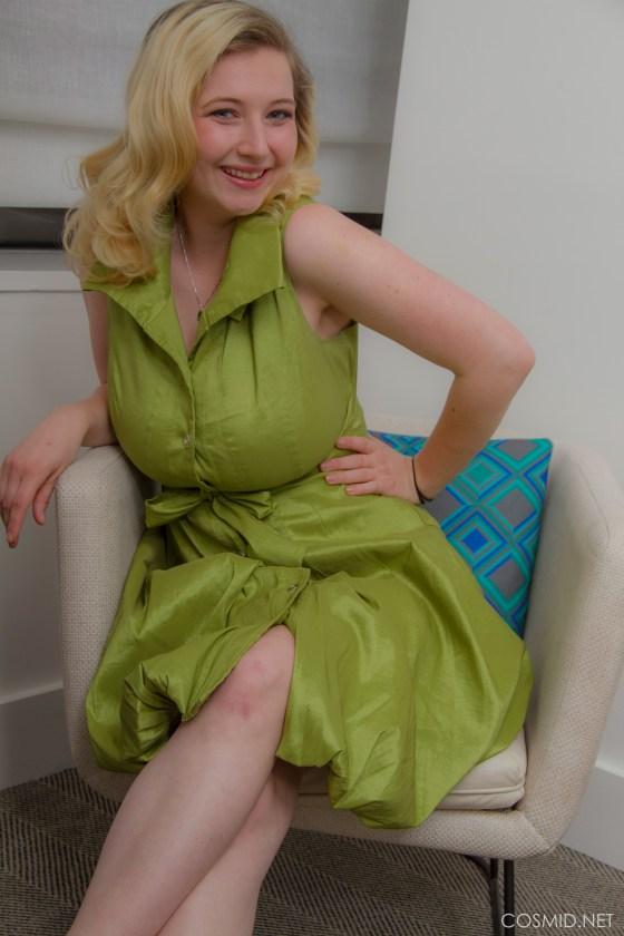 mim turner cosmid green dress curvy busty blonde big tits