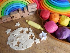 incidental learning - learning as they go - nano series - playdough - play - learning - language - communication - maths - numeracy - stars - fine motor skills