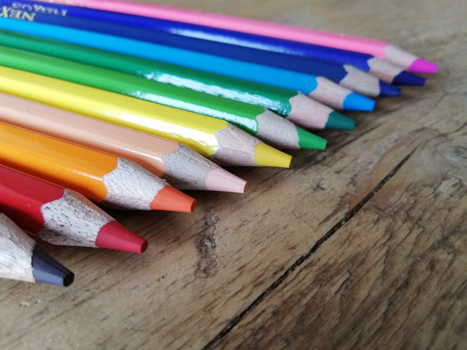 Nexus - nexus euro - nexus home learning - link and lace - arts and crafts - product review - Jumbo Pencils - Chalky Pastels - fine motor skills - fine motor activities - inclusive - learning through play - play matters - montessori inspired