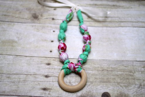 teething necklace 1