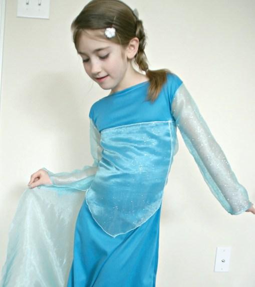Disney's Frozen Inspired Elsa Dress / Busy Mom's Helper