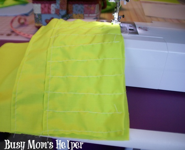 DIY Travel Coloring Tote / by Busy Mom's Helper #craft #kidstravel #coloring #roadtrip