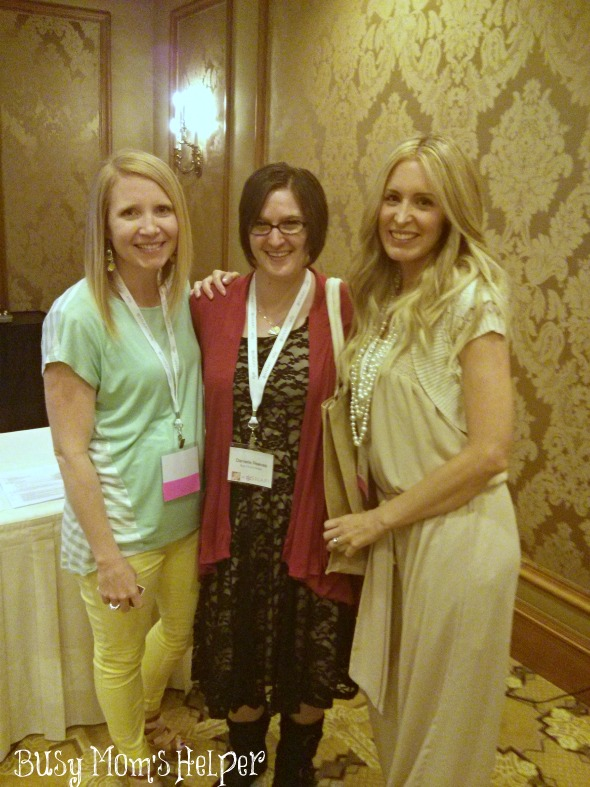 10 Best Tips for Attending a Blogger Conference / by Busy Mom's Helper #SoFabU
