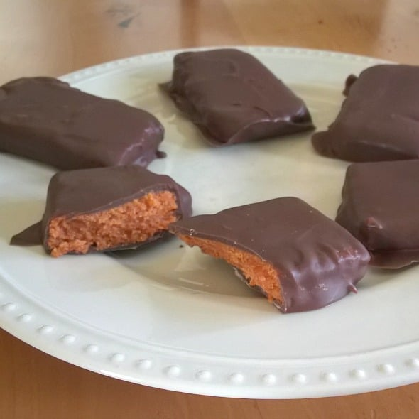 Homemade Butterfingers! by Nikki Christiansen for Busy Mom's Helper