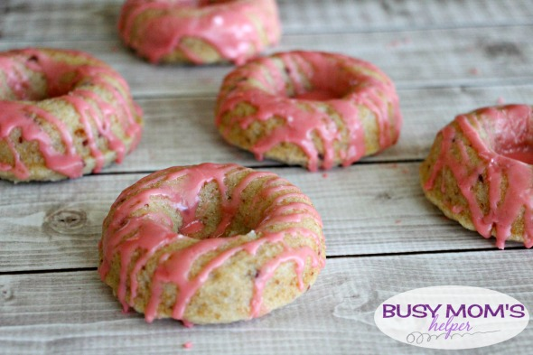 Strawberry LemonadeDoughnuts / by BusyMomsHelper.com #ad #cookingwithGerber / Strawberry Lemonade Donuts