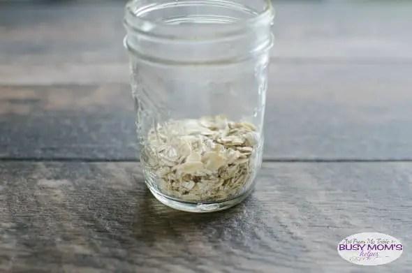 strawberry almond overnight oats