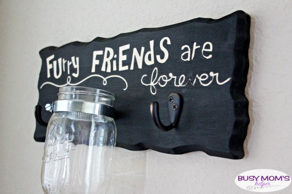 DIY Dog Leash & Treat Sign #ad #ToPetsWithLove