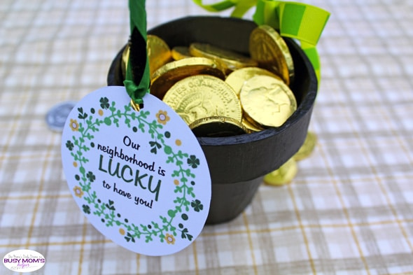 "Saint Patrick's Day neighbor gift + free printable tag ""Our neighborhood is lucky to have you!"""