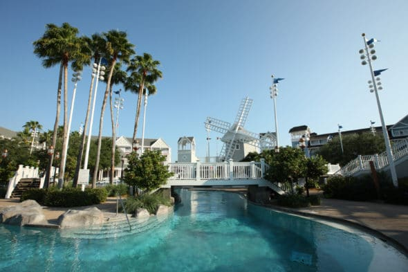 5 Best Resort Pools at Walt Disney World #travel #swimming #pools #resorts #Hotels #disneyhotels #disneyresorts #waltdisneyworld #wdw